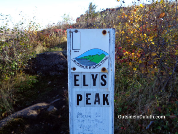 elys-peak-spur-trail-sign